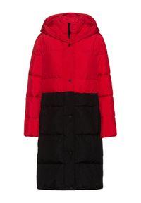 Czerwony płaszcz zimowy Hugo
