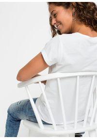 T-shirt z nadrukiem bonprix biały. Kolor: biały. Wzór: nadruk