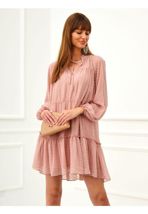 Różowa sukienka TOP SECRET casualowa, mini, w kolorowe wzory, na imprezę