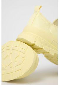 Answear Lab - Tenisówki. Zapięcie: sznurówki. Kolor: żółty. Obcas: na platformie. Styl: wakacyjny