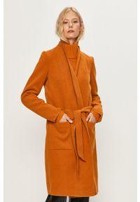 Vila - Płaszcz. Kolor: brązowy. Materiał: tkanina. Wzór: gładki