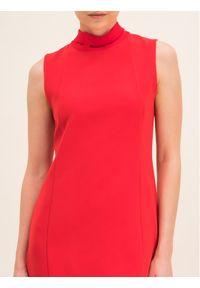 iBlues Sukienka koktajlowa 72262596 Czerwony Regular Fit. Kolor: czerwony. Styl: wizytowy