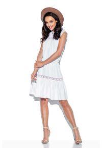 Lemoniade - Biała Sukienka o Luźnym Kroju z Koronką. Kolor: biały. Materiał: koronka. Wzór: koronka