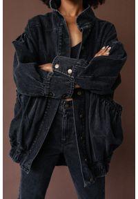 Marsala - Katana kurtka jeansowa oversize z marszczeniami - CHILL BLACK DENIM JACKET BY MARSALA. Materiał: jeans, denim