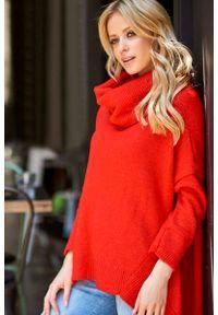 Czerwony sweter Makadamia z golfem