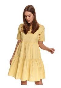TOP SECRET - Luźna sukienka z falbanami i krótkim rękawkiem. Kolor: żółty. Materiał: tkanina, bawełna. Długość rękawa: krótki rękaw. Wzór: aplikacja. Sezon: lato. Styl: wakacyjny
