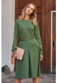 Zielona sukienka MOE do pracy, elegancka