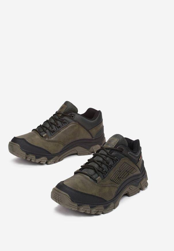 Brązowe buty sportowe Born2be