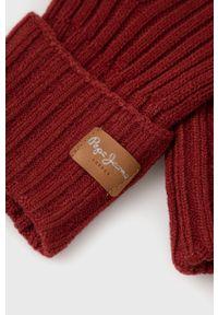Pepe Jeans - Rękawiczki Emily. Kolor: czerwony. Materiał: dzianina. Wzór: gładki