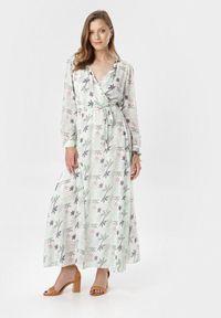 Born2be - Biało-Zielona Sukienka Doryrianne. Kolor: biały. Materiał: materiał. Długość rękawa: długi rękaw. Wzór: nadruk. Typ sukienki: kopertowe. Długość: maxi