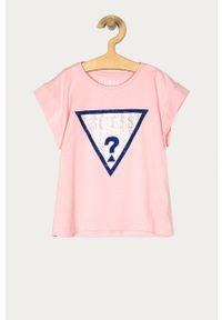 Różowa bluzka z krótkim rękawem Guess casualowa, z aplikacjami, na co dzień