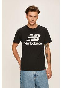 Czarny t-shirt New Balance na co dzień, casualowy
