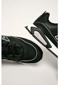 Czarne sneakersy New Balance z cholewką, na sznurówki