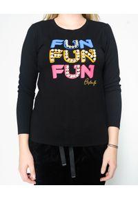 CRISTINAEFFE - Czarna bluzka z kolorowym nadrukiem. Kolor: czarny. Materiał: jeans, materiał, bawełna. Długość rękawa: długi rękaw. Długość: długie. Wzór: kolorowy, nadruk