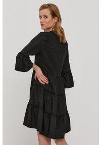 Vila - Sukienka. Kolor: czarny. Materiał: tkanina. Typ sukienki: rozkloszowane