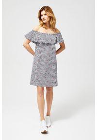 MOODO - Sukienka typu hiszpanka. Typ kołnierza: dekolt hiszpanka