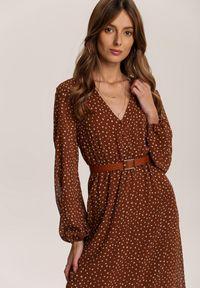 Renee - Brązowa Sukienka Wheatmore. Kolor: brązowy. Wzór: kropki. Długość: midi