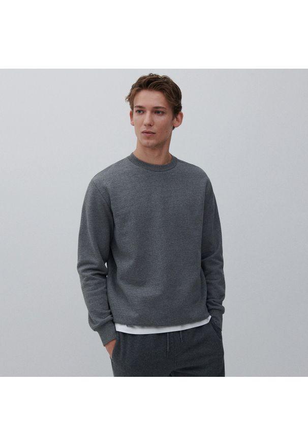 Reserved - Gładka bluza - Szary. Kolor: szary. Wzór: gładki