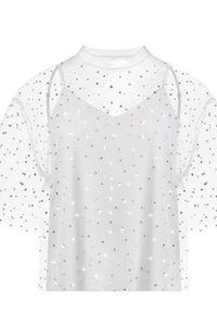 T-DRESS - Biała sukienka oversize STONES SPLASH. Kolor: biały. Długość rękawa: na ramiączkach. Wzór: aplikacja. Typ sukienki: oversize. Długość: mini