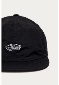 Czarna czapka z daszkiem Vans z aplikacjami