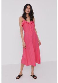 Pepe Jeans - Sukienka Samy. Kolor: różowy. Długość rękawa: na ramiączkach. Typ sukienki: rozkloszowane