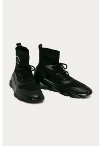 Czarne sneakersy Karl Lagerfeld na sznurówki, z cholewką, z okrągłym noskiem