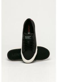 Levi's® - Levi's - Tenisówki. Okazja: na spotkanie biznesowe. Nosek buta: okrągły. Zapięcie: sznurówki. Kolor: czarny. Materiał: guma. Styl: biznesowy