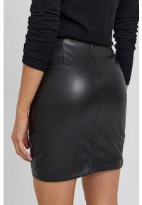 Guess - Spódnica. Kolor: czarny. Długość: długie