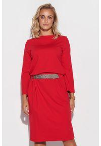 Makadamia - Sukienka z Błyszczącym Pasem - Czerwona. Kolor: czerwony. Materiał: poliester, nylon