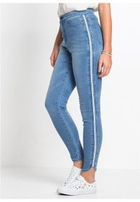 Dżinsy Super Skinny w krótszej długości, z połyskującym paskiem bonprix niebieski bleached. Kolor: niebieski. Długość: krótkie
