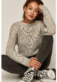Szary sweter medicine z okrągłym kołnierzem, w ażurowe wzory