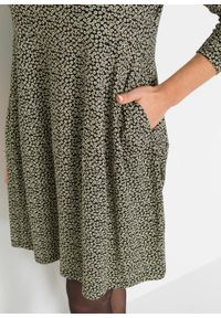 Sukienka z wpuszczanymi kieszeniami bonprix czarno-kremowy szałwiowy w kwiaty. Kolor: czarny. Długość rękawa: długi rękaw. Wzór: kwiaty