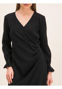 iBlues Sukienka koktajlowa 72262996 Czarny Regular Fit. Kolor: czarny. Styl: wizytowy #5