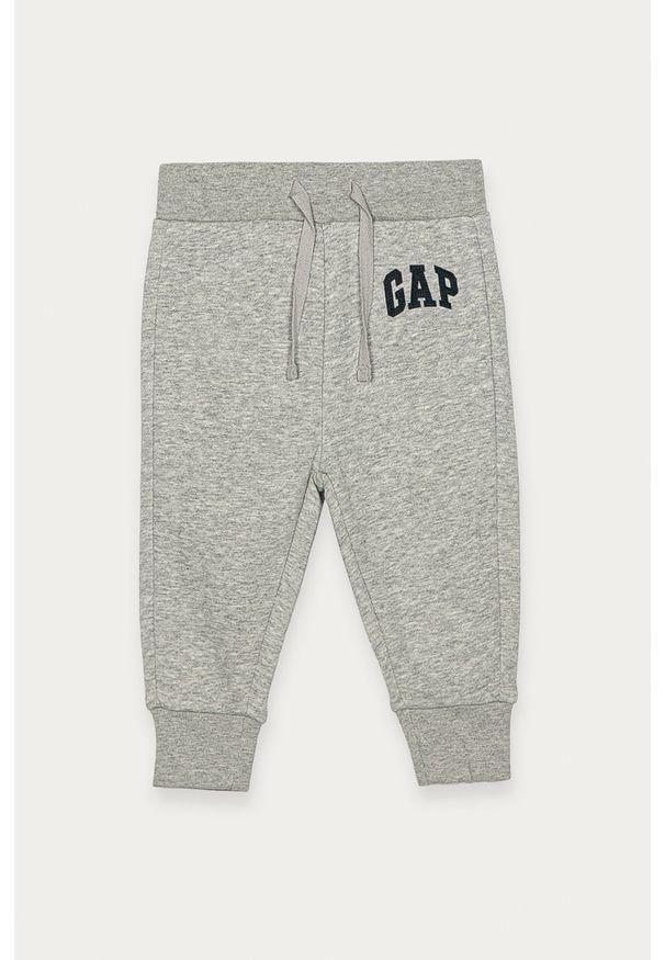 Szare spodnie dresowe GAP na co dzień, z nadrukiem