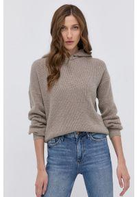 Morgan - Sweter z domieszką wełny MNINO. Typ kołnierza: kaptur. Kolor: beżowy. Materiał: wełna. Długość rękawa: długi rękaw. Długość: długie. Wzór: ze splotem