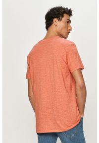 Lee - T-shirt. Okazja: na co dzień. Kolor: pomarańczowy. Materiał: dzianina. Styl: casual