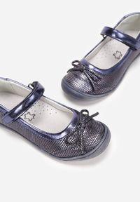 Born2be - Granatowe Balerinki Sowewynn. Nosek buta: okrągły. Zapięcie: pasek. Kolor: niebieski. Materiał: skóra. Szerokość cholewki: normalna. Styl: elegancki