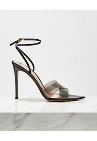 GIANVITO ROSSI - Czarne sandały z panelami PVC. Zapięcie: pasek. Kolor: czarny. Wzór: paski