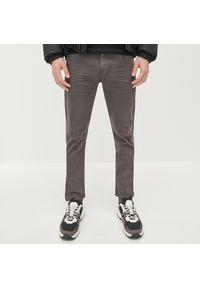 Reserved - Spodnie skinny z bawełny organicznej - Szary. Kolor: szary. Materiał: bawełna
