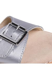 Srebrne sandały Clarks