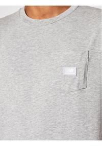 New Balance T-Shirt Pocket Tee MT01567 Szary Relaxed Fit. Kolor: szary