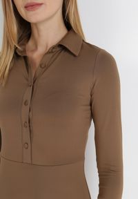 Born2be - Brązowa Sukienka Mellobe. Kolor: brązowy. Typ sukienki: rozkloszowane, dopasowane. Styl: vintage, retro. Długość: midi