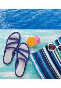 REALPAKS - Klapki damskie Realpaks SLJ-15 Granatowe. Okazja: na plażę. Kolor: niebieski. Materiał: tworzywo sztuczne. Sezon: lato. Obcas: na obcasie. Wysokość obcasa: niski