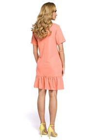 MOE - Trapezowa sukienka z falbaną u dołu kwadratowy dekolt. Typ kołnierza: dekolt kwadratowy. Materiał: elastan, materiał. Długość rękawa: krótki rękaw. Typ sukienki: trapezowe