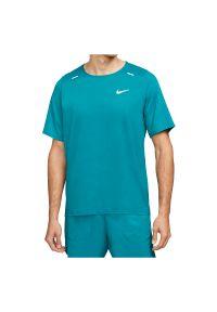 Koszulka męska do biegania Nike Run Rise 365 CU5977. Materiał: włókno, poliester, materiał, tkanina, bawełna. Długość rękawa: krótki rękaw. Technologia: Dri-Fit (Nike). Długość: krótkie. Sport: bieganie