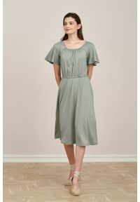 Marie Zélie - Sukienka Pola jasnooliwkowa mikromodal. Materiał: wiskoza, dzianina, elastan, włókno, skóra. Długość rękawa: krótki rękaw. Długość: midi