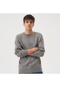 Sinsay - Gładki sweter - Szary. Kolor: szary. Wzór: gładki