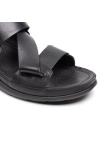 Czarne sandały Pikolinos