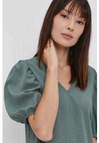 Pieces - Sukienka. Kolor: zielony. Materiał: tkanina. Wzór: gładki. Typ sukienki: rozkloszowane #5