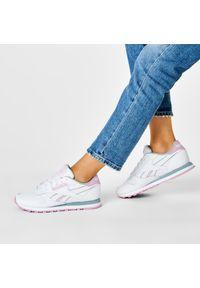 Białe buty sportowe Reebok z cholewką, na płaskiej podeszwie